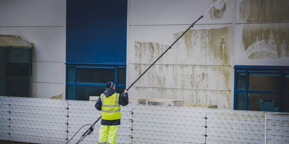 Long Reach Exterior Wall Cleaning - Mobiclean Waterford