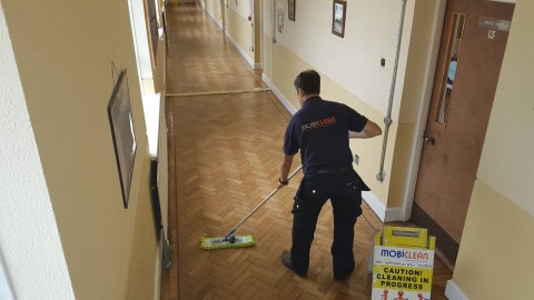 Office cleaning and floor polishing - Mobiclean